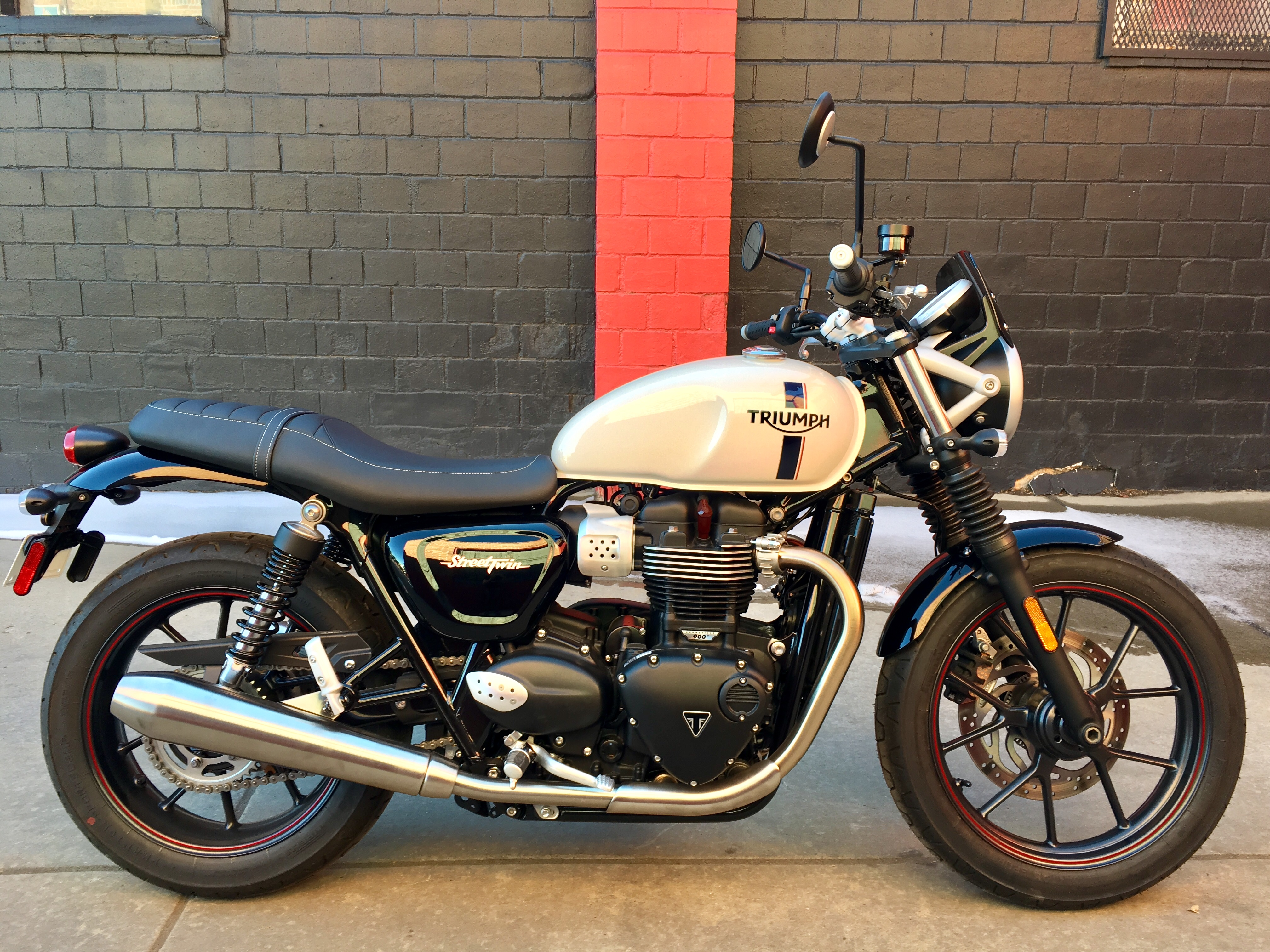 New 2018 TRIUMPH STREET TWIN