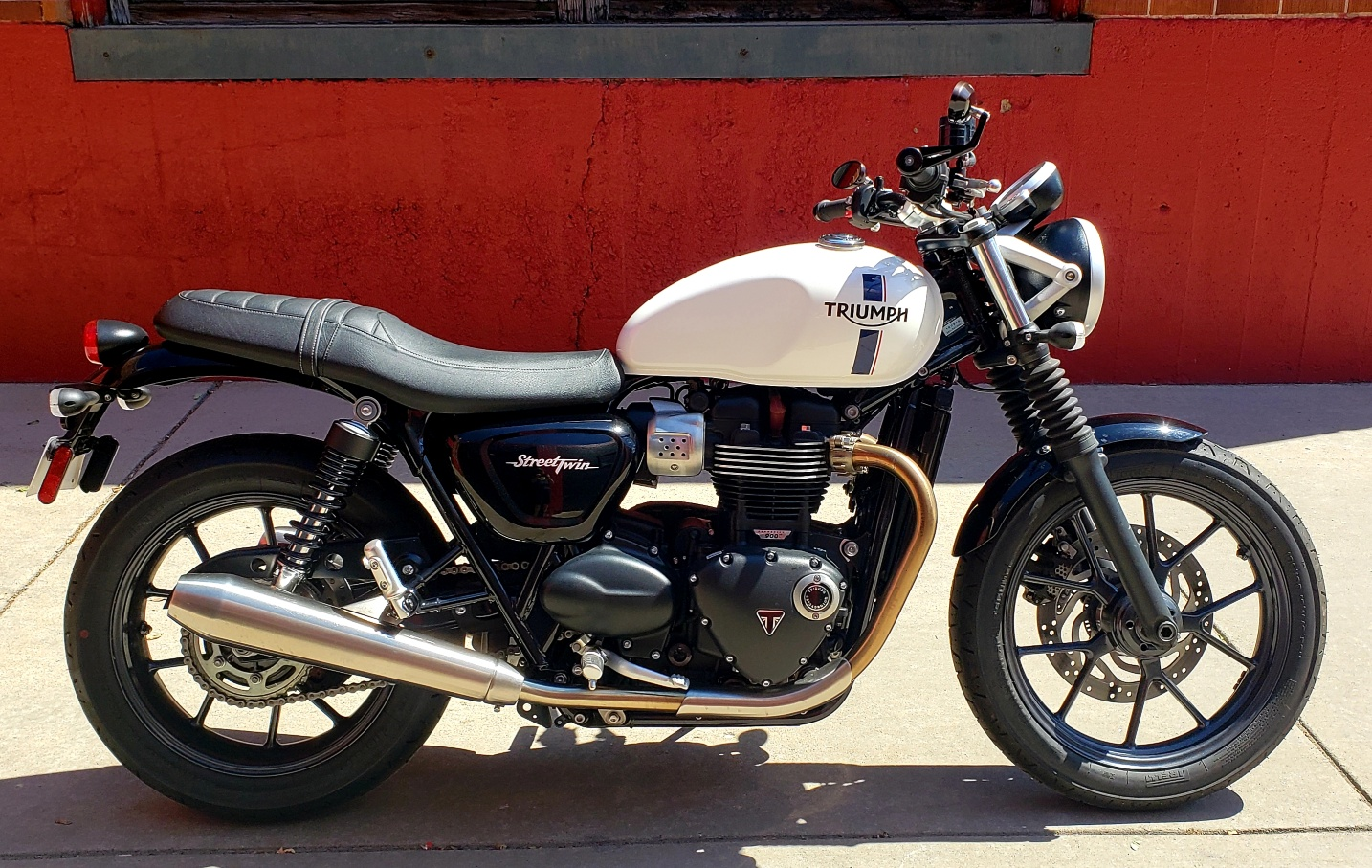 Pre-Owned 2016 TRIUMPH STREET TWIN