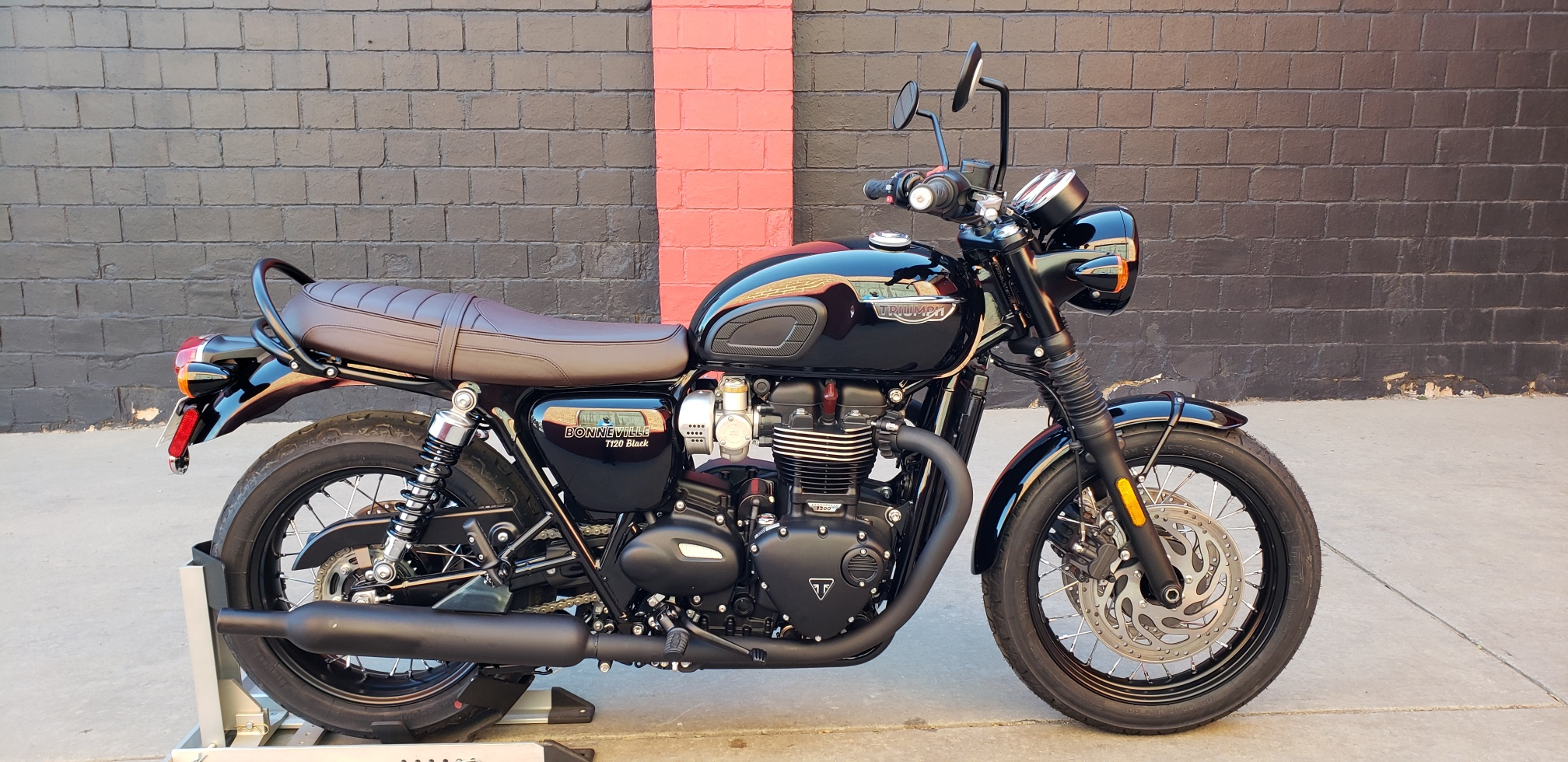 New 2020 TRIUMPH BONNEVILLE T120 BLACK