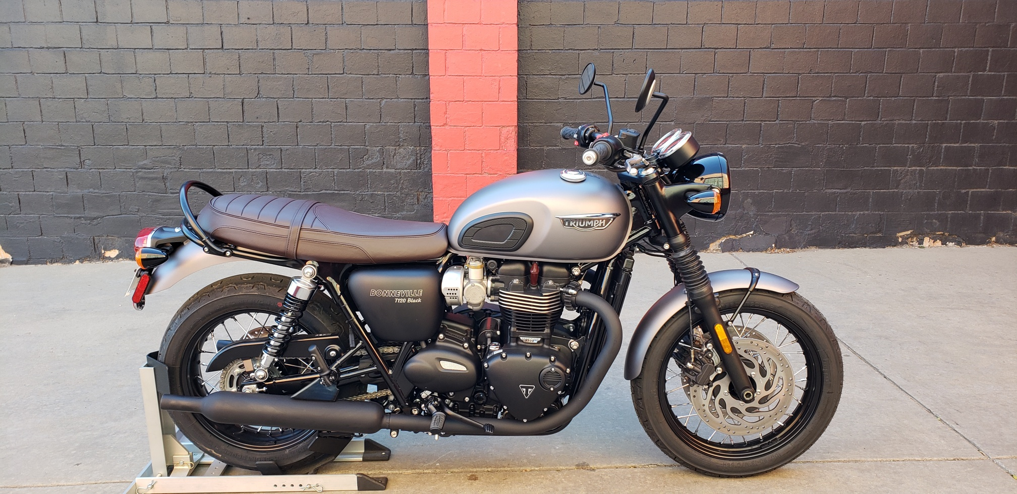 New 2018 TRIUMPH BONNEVILLE T120 BLACK
