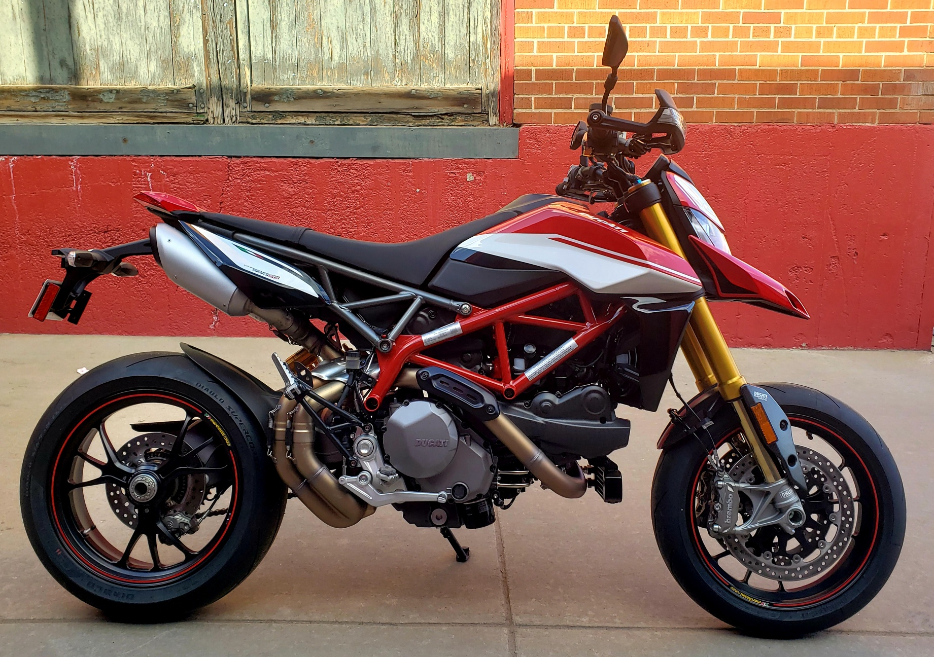 New 2020 DUCATI HYPERMOTARD 950 SP